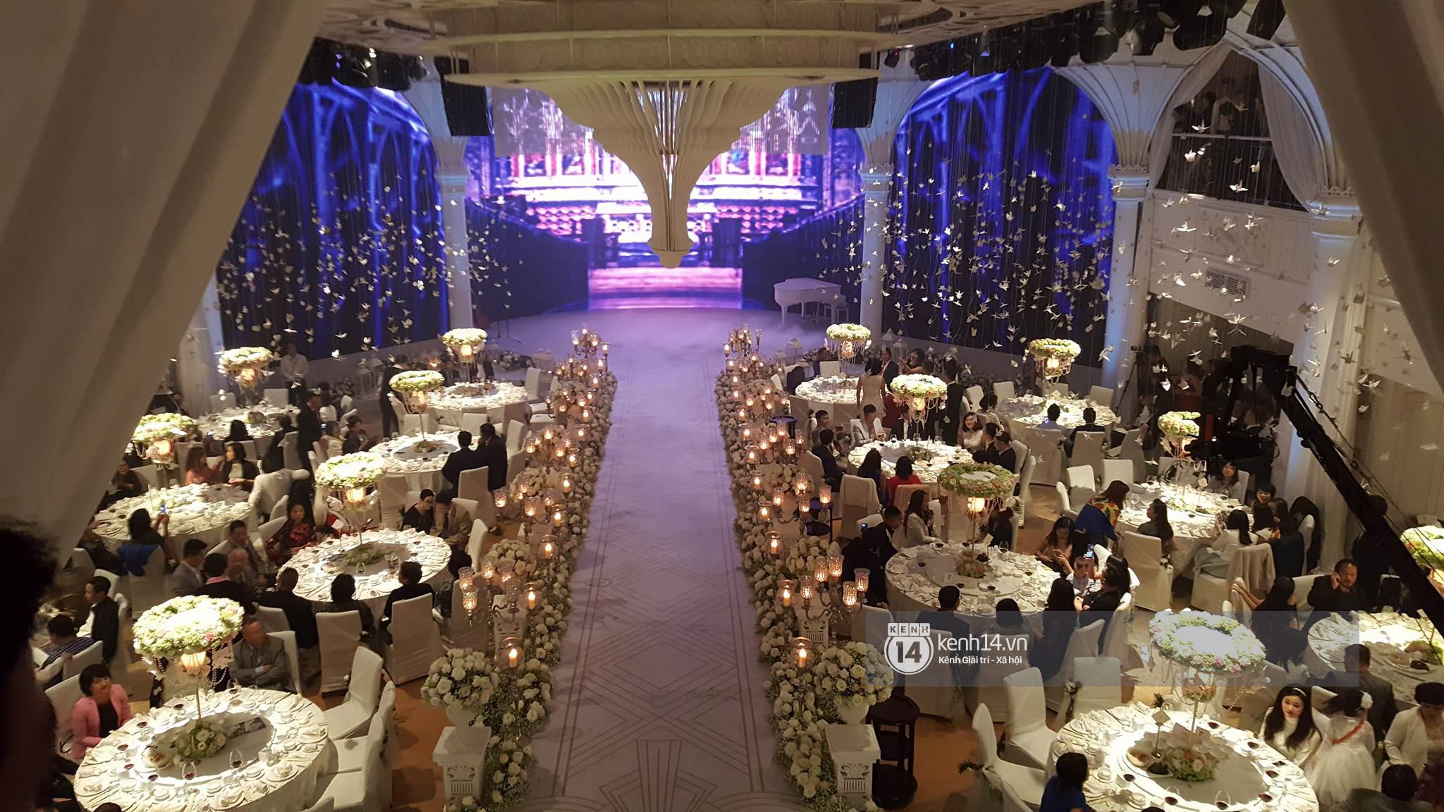 Đám cưới MC Mai Ngọc: Không gian lộng lẫy, cầu kỳ, xứng đáng là đám cưới sang chảnh nhất Hà Nội hôm nay - Ảnh 9.