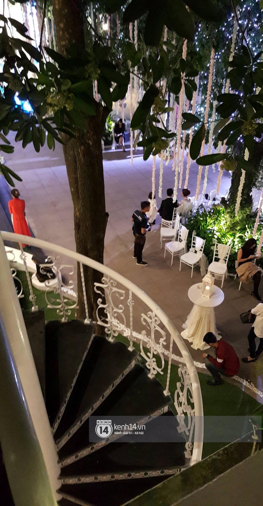 Đám cưới MC Mai Ngọc: Không gian lộng lẫy, cầu kỳ, xứng đáng là đám cưới sang chảnh nhất Hà Nội hôm nay - Ảnh 8.