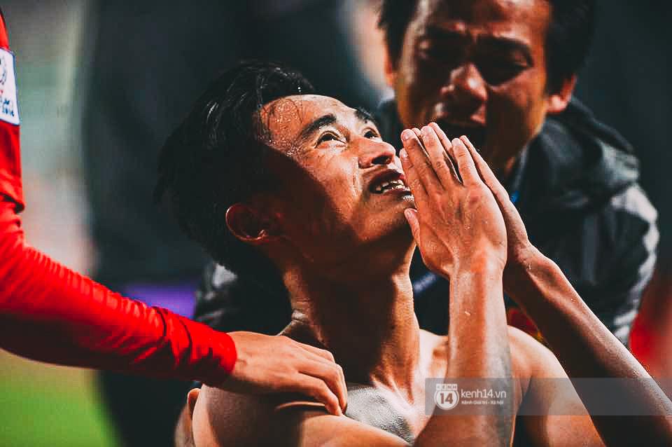 Một trận đấu quả cảm, mà chúng tôi đã cười, đã khóc cùng các anh tới phút cuối cùng! - Ảnh 1.