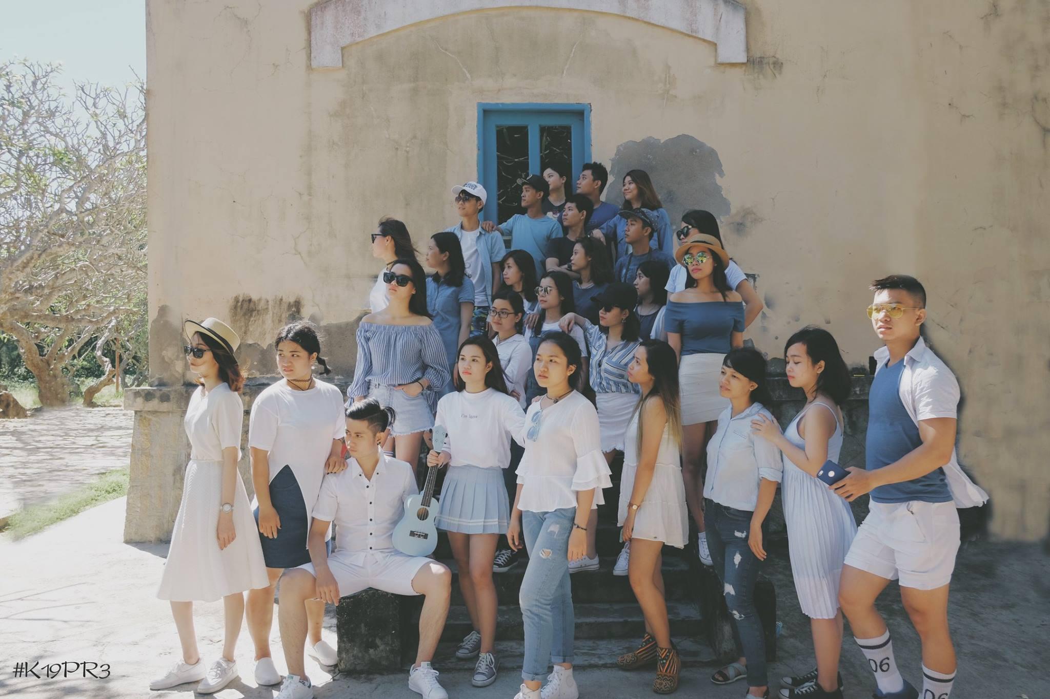 Năm tháng vội vã, chúng mình ở bên nhau: Bộ ảnh kỷ yếu chất như tạp chí của SV Sài Gòn - Ảnh 8.