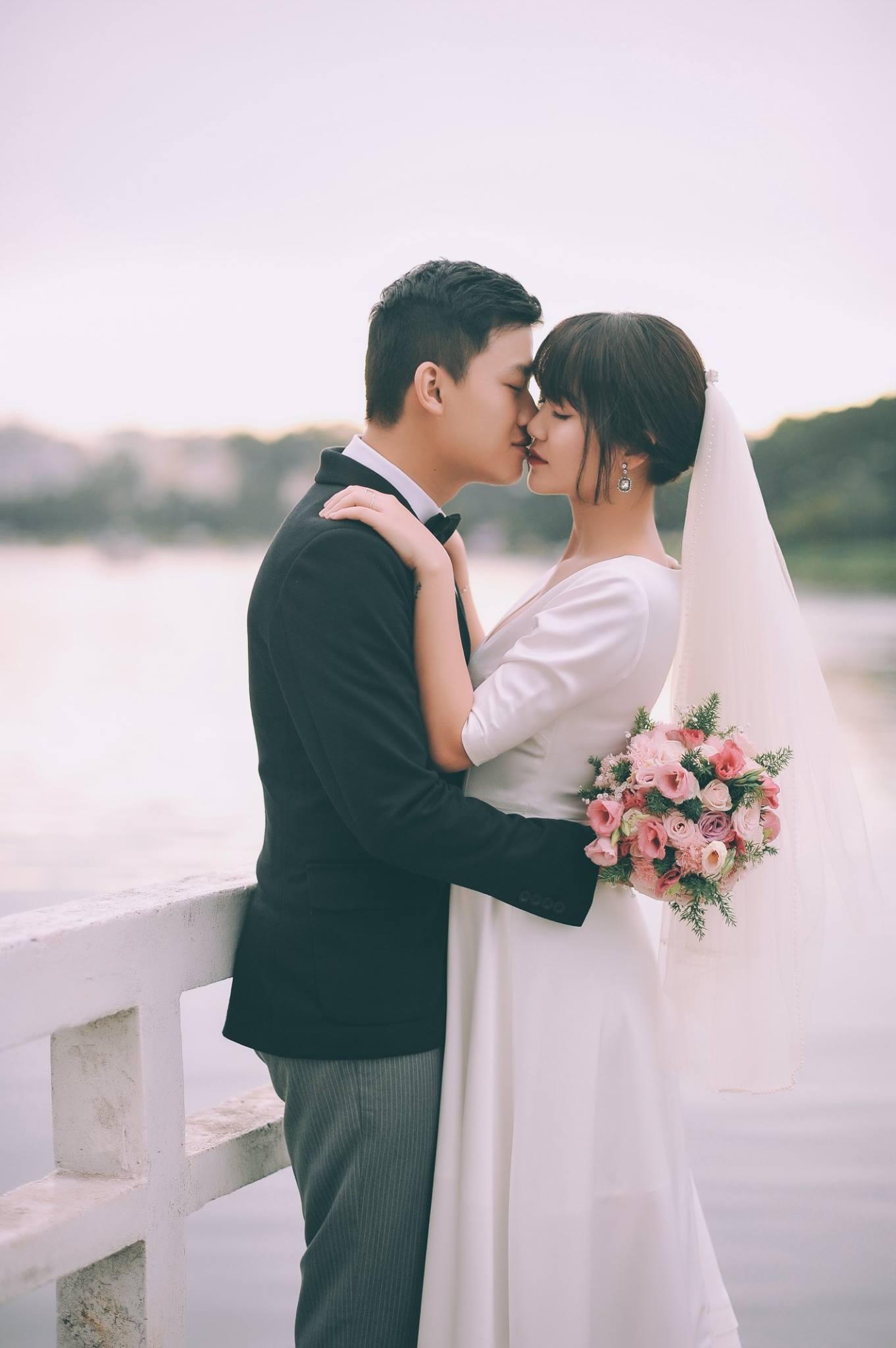 Trọn bộ ảnh cưới giản dị nhưng ngập tràn hạnh phúc của MC Trần Ngọc và 9x xinh đẹp - Ảnh 15.