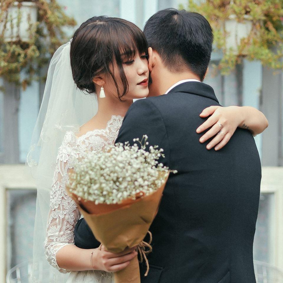 Không chỉ đáng ngưỡng mộ vì trai tài gái sắc, MC Trần Ngọc và vợ còn nhắng nhít và dễ thương cực kỳ! - Ảnh 2.
