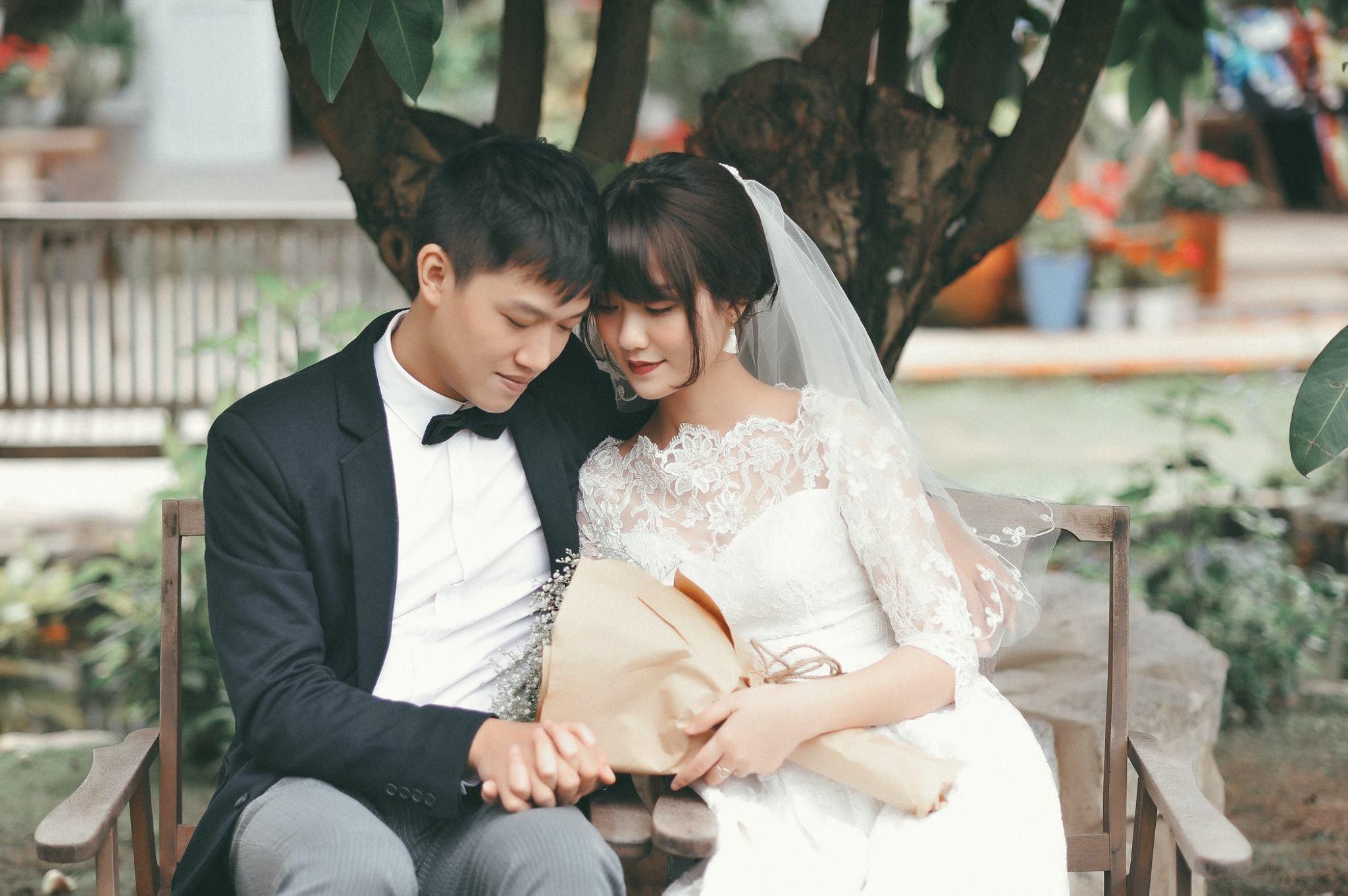 Trọn bộ ảnh cưới giản dị nhưng ngập tràn hạnh phúc của MC Trần Ngọc và 9x xinh đẹp - Ảnh 20.