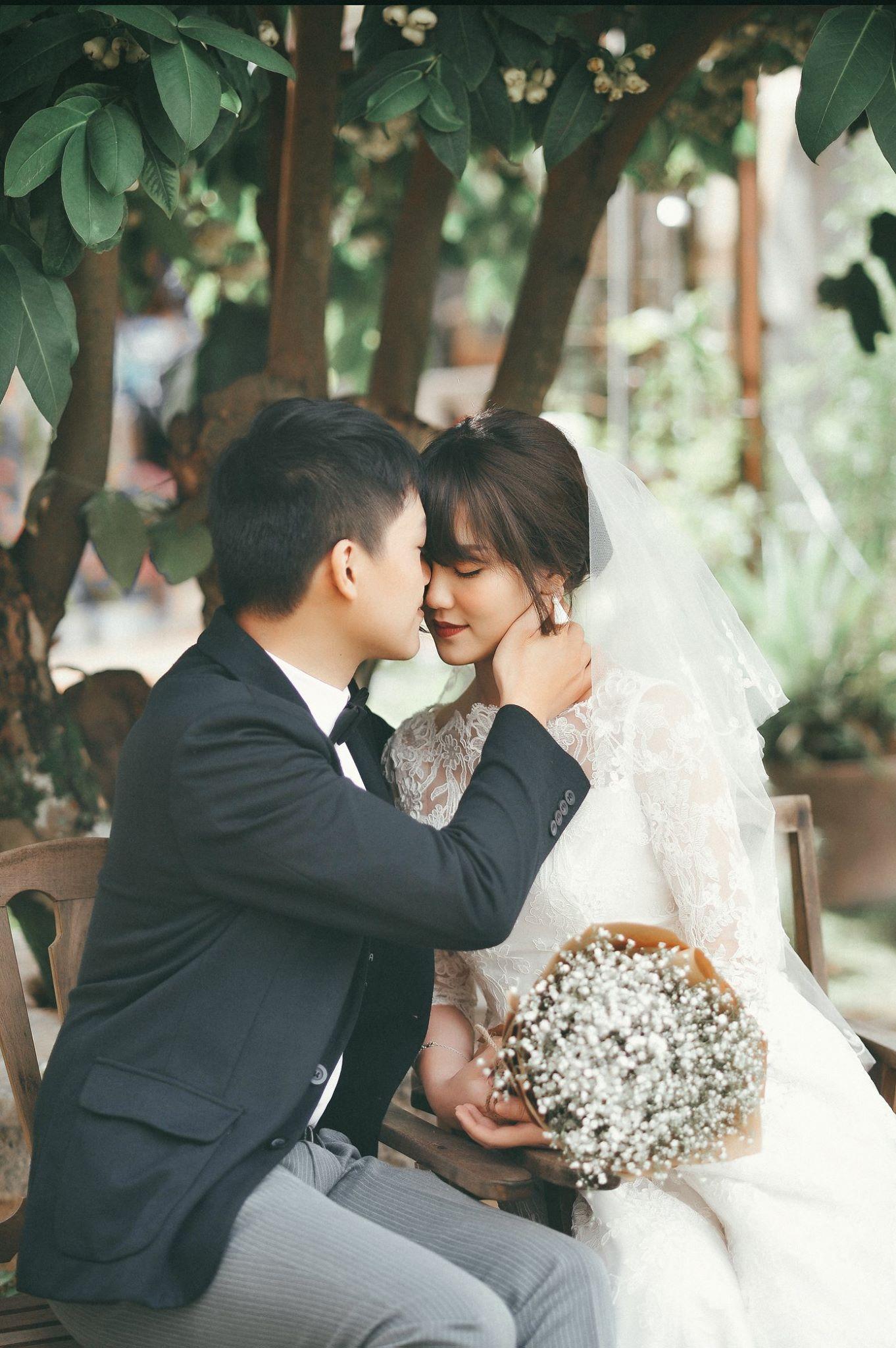 Trọn bộ ảnh cưới giản dị nhưng ngập tràn hạnh phúc của MC Trần Ngọc và 9x xinh đẹp - Ảnh 23.