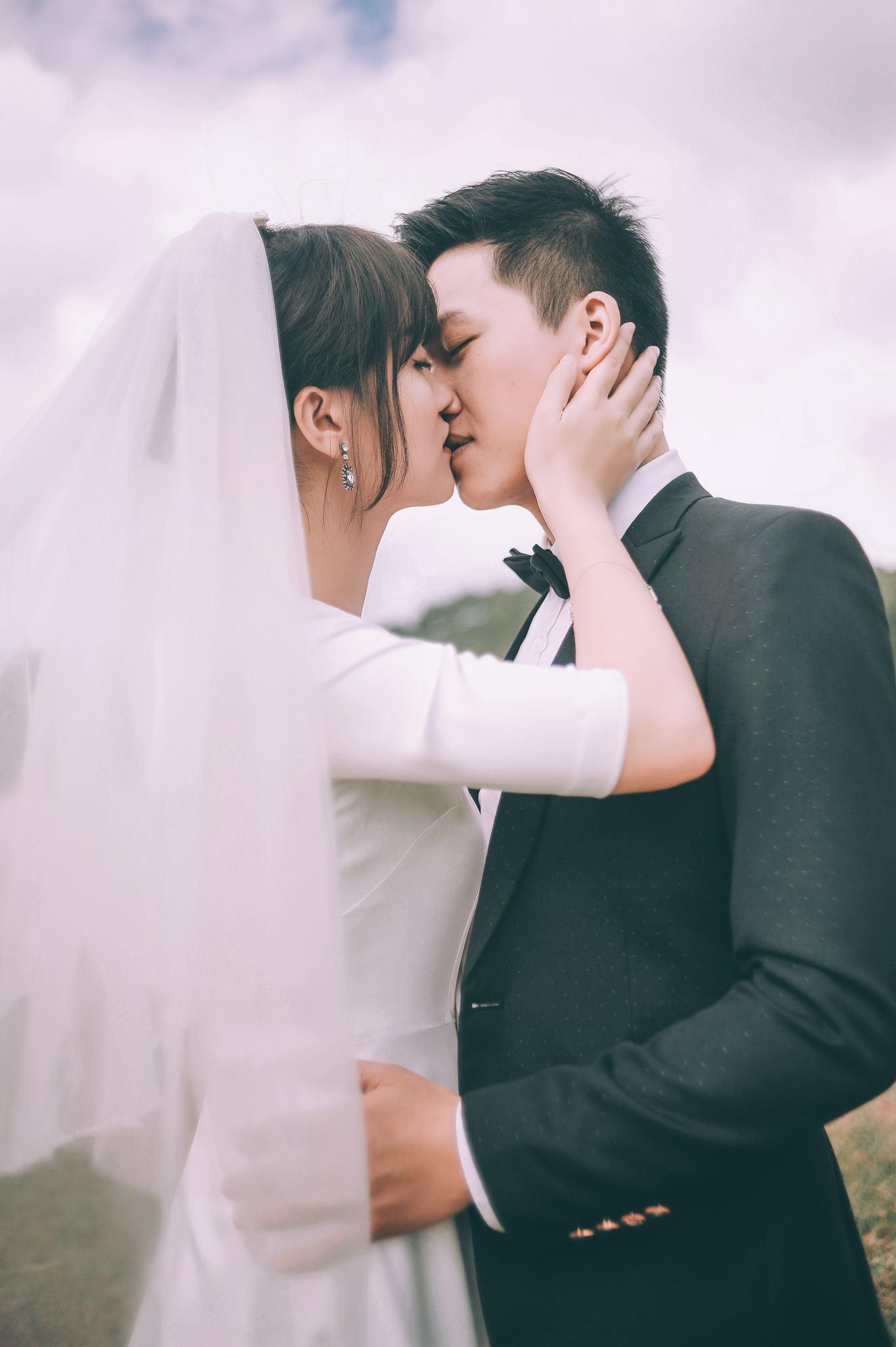 Trọn bộ ảnh cưới giản dị nhưng ngập tràn hạnh phúc của MC Trần Ngọc và 9x xinh đẹp - Ảnh 6.