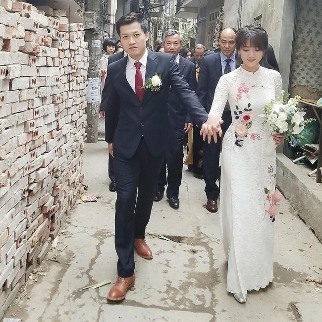 Không chỉ đáng ngưỡng mộ vì trai tài gái sắc, MC Trần Ngọc và vợ còn nhắng nhít và dễ thương cực kỳ! - Ảnh 5.