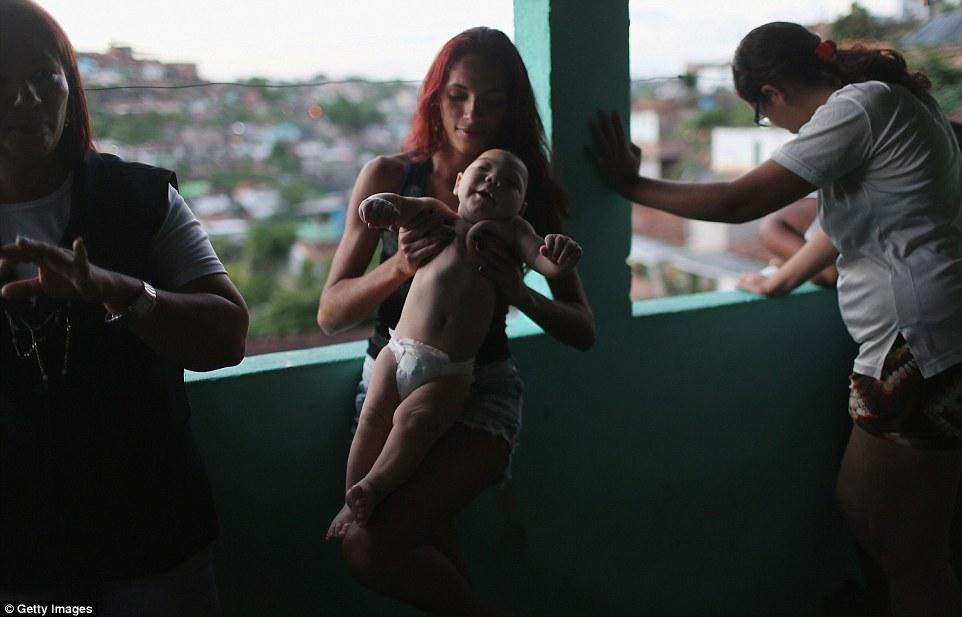 Chùm ảnh: Dịch bệnh Zika đầu nhỏ - nỗi khiếp sợ của toàn thế giới - Ảnh 20.