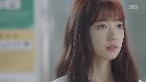 Fan Doctors náo loạn khi Kim Rae Won và Park Shin Hye có nụ hôn đúng tuổi - Ảnh 12.