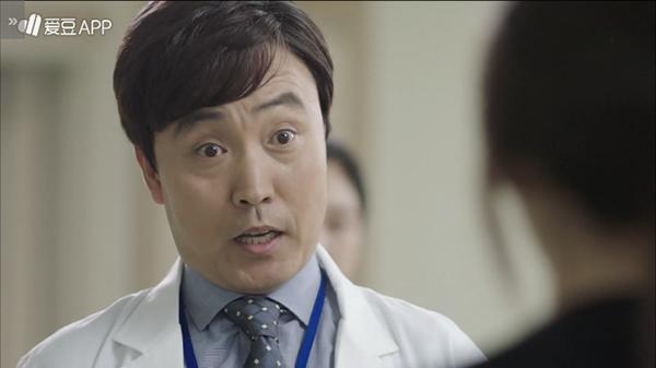 """""""Doctors"""": Không nhịn được cười với chuỗi bi kịch của Yoon Kyun Sang - Ảnh 21."""