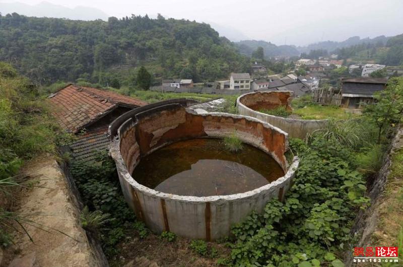Khung cảnh hoang tàn ở ngôi làng ung thư nổi tiếng Trung Quốc khiến nhiều người không khỏi rùng mình - Ảnh 21.