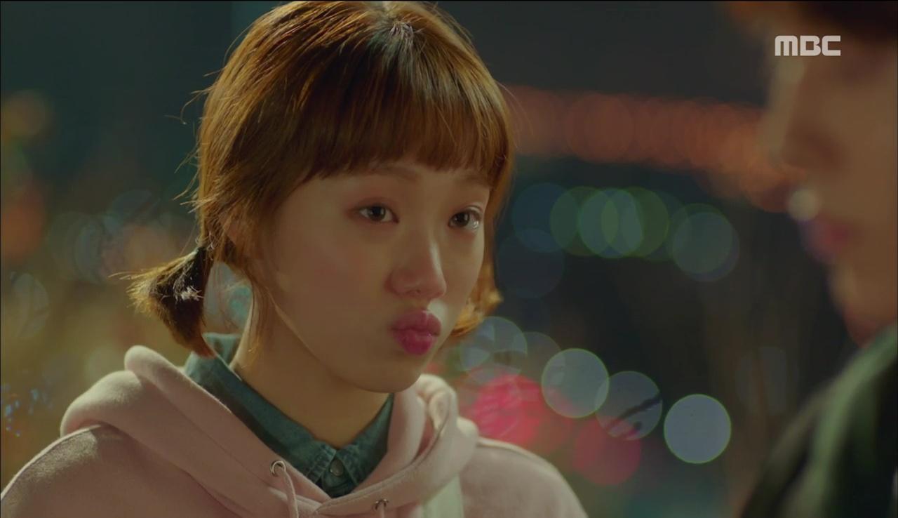 """""""Tiên Nữ Cử Tạ"""": Ngỡ được Lee Sung Kyung hôn, Nam Joo Hyuk đưa mặt hưởng thụ và nhận cái kết bất ngờ - Ảnh 20."""