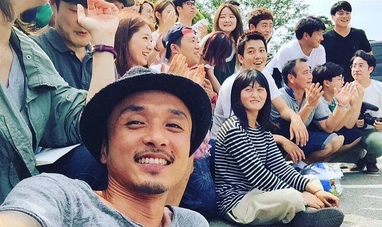 Park Shin Hye dựa sát, chụp hình tự sướng thân mật cùng Kim Rae Won - Ảnh 5.
