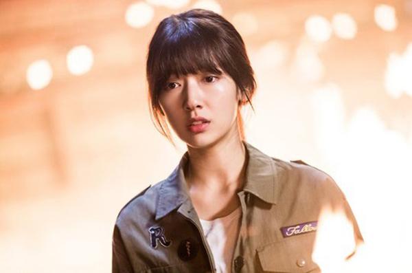 Đài SBS chơi trội, hé lộ tuổi thơ đen tối của Park Shin Hye lên mạng - Ảnh 20.