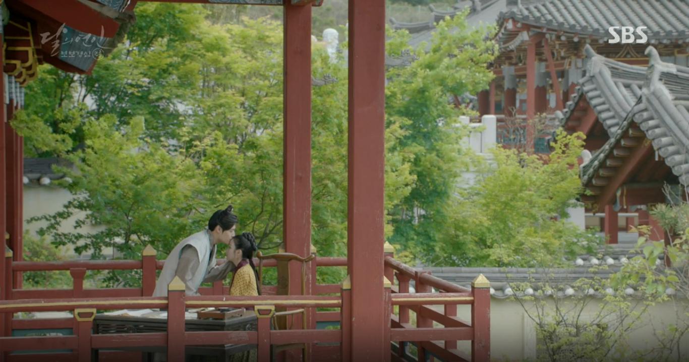 Moon Lovers: Tứ hoàng tử Lee Jun Ki chính thức hạ chiếc mặt nạ trước mặt IU - Ảnh 21.
