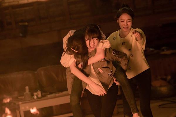 Đài SBS chơi trội, hé lộ tuổi thơ đen tối của Park Shin Hye lên mạng - Ảnh 21.