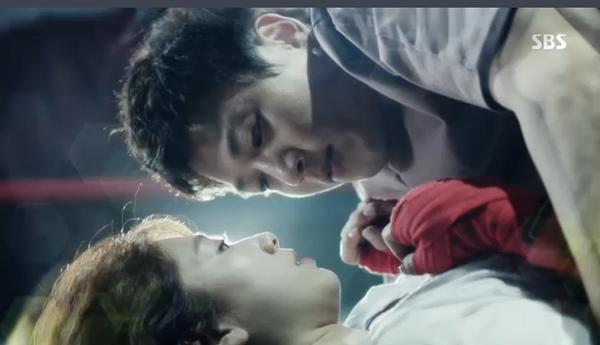 Sau Song Joong Ki, lại thêm Kim Rae Won cưa cẩm bằng trực thăng - Ảnh 25.