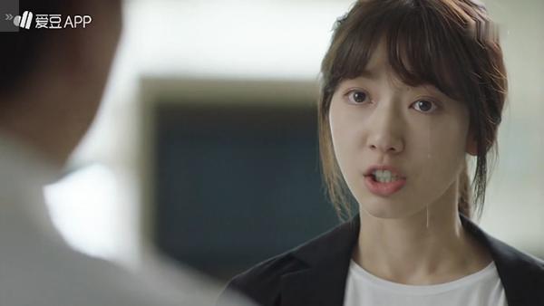 """""""Doctors"""": Không nhịn được cười với chuỗi bi kịch của Yoon Kyun Sang - Ảnh 22."""