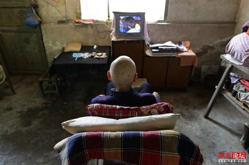 Khung cảnh hoang tàn ở ngôi làng ung thư nổi tiếng Trung Quốc khiến nhiều người không khỏi rùng mình - Ảnh 14.