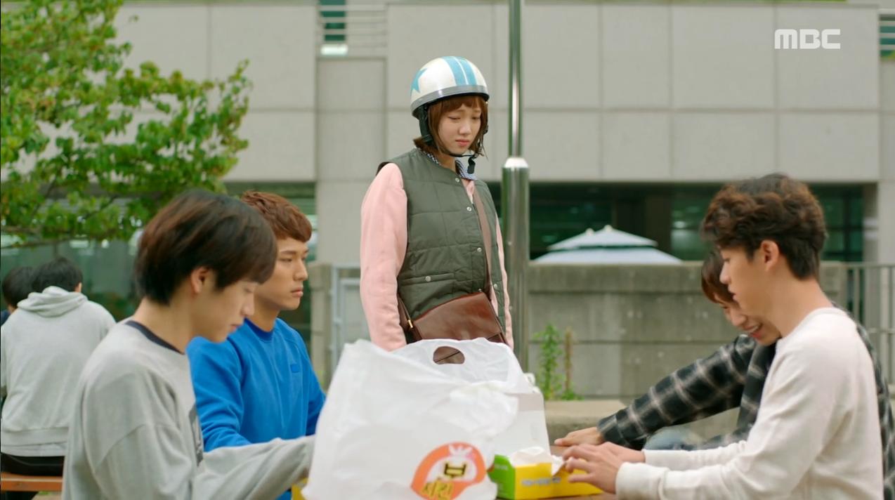 """""""Tiên Nữ Cử Tạ"""": Lee Sung Kyung và Nam Joo Hyuk chưa gì đã thành """"oan gia ngõ hẹp"""" - Ảnh 25."""
