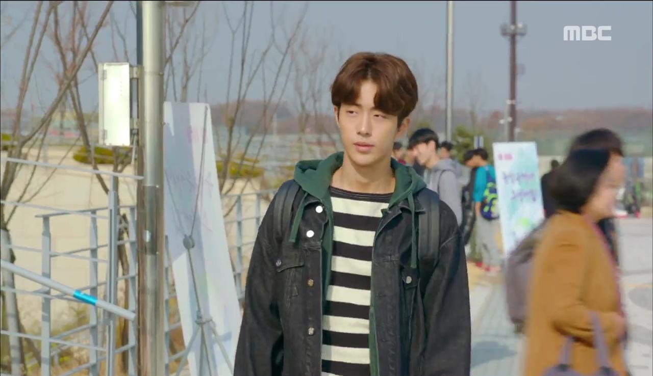 """""""Tiên Nữ Cử Tạ"""": Ngỡ được Lee Sung Kyung hôn, Nam Joo Hyuk đưa mặt hưởng thụ và nhận cái kết bất ngờ - Ảnh 24."""