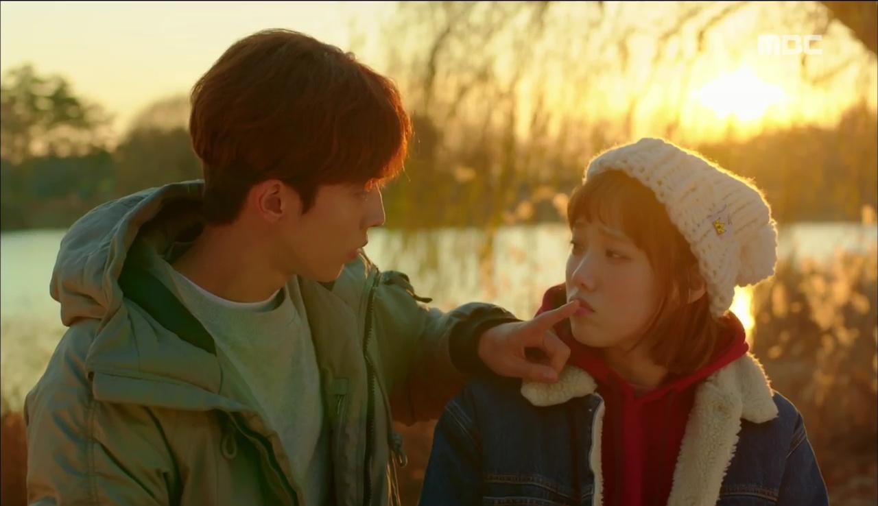 """""""Tiên Nữ Cử Tạ"""": Vì ghen, Nam Joo Hyuk hôn Lee Sung Kyung để đánh dấu chủ quyền - Ảnh 24."""