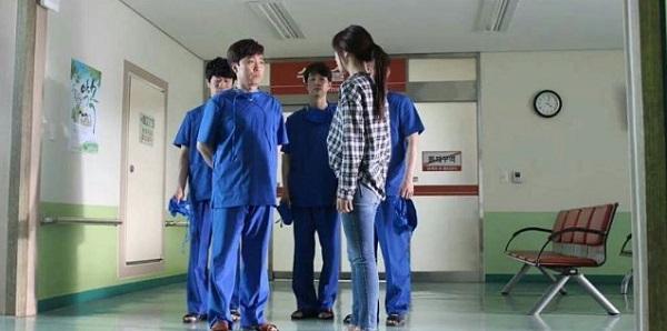 """Fan háo hức với teaser """"Doctors"""" siêu đẹp, siêu ngọt của Park Shin Hye - Ảnh 3."""