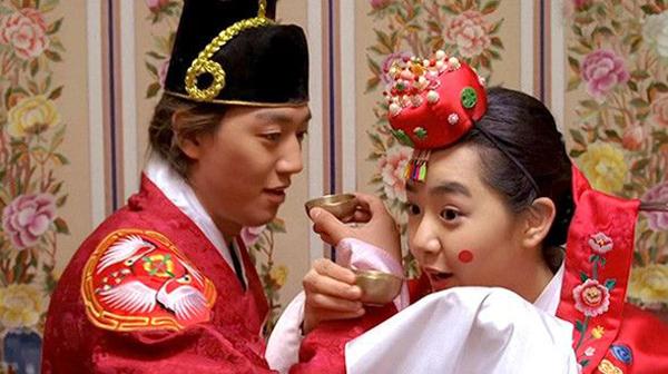 Đây là 7 người tình màn ảnh ấn tượng nhất của bác sĩ Kim Rae Won - Ảnh 2.