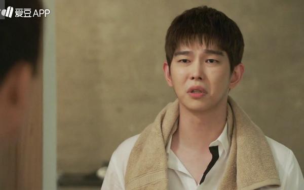 """""""Doctors"""": Không nhịn được cười với chuỗi bi kịch của Yoon Kyun Sang - Ảnh 3."""