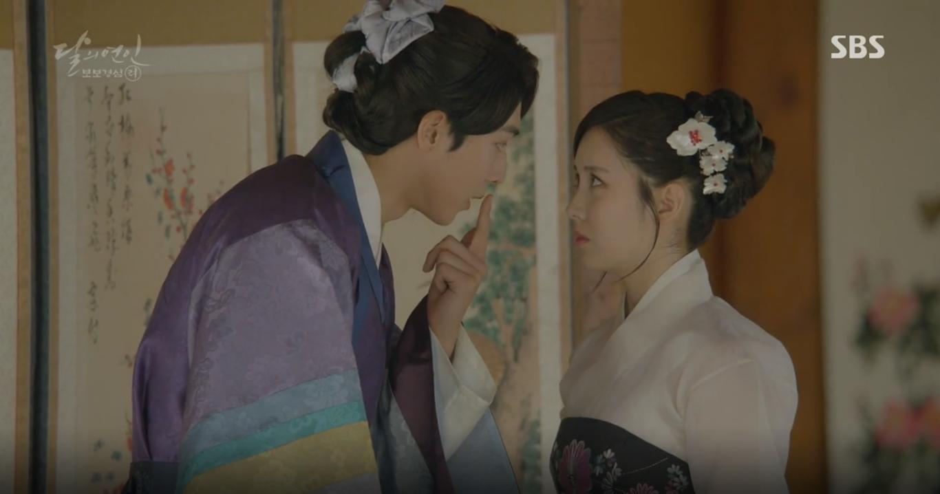 """Moon Lovers: """"Mười"""" Baekhyun suýt toi mạng dưới tay… bố vợ - Ảnh 30."""