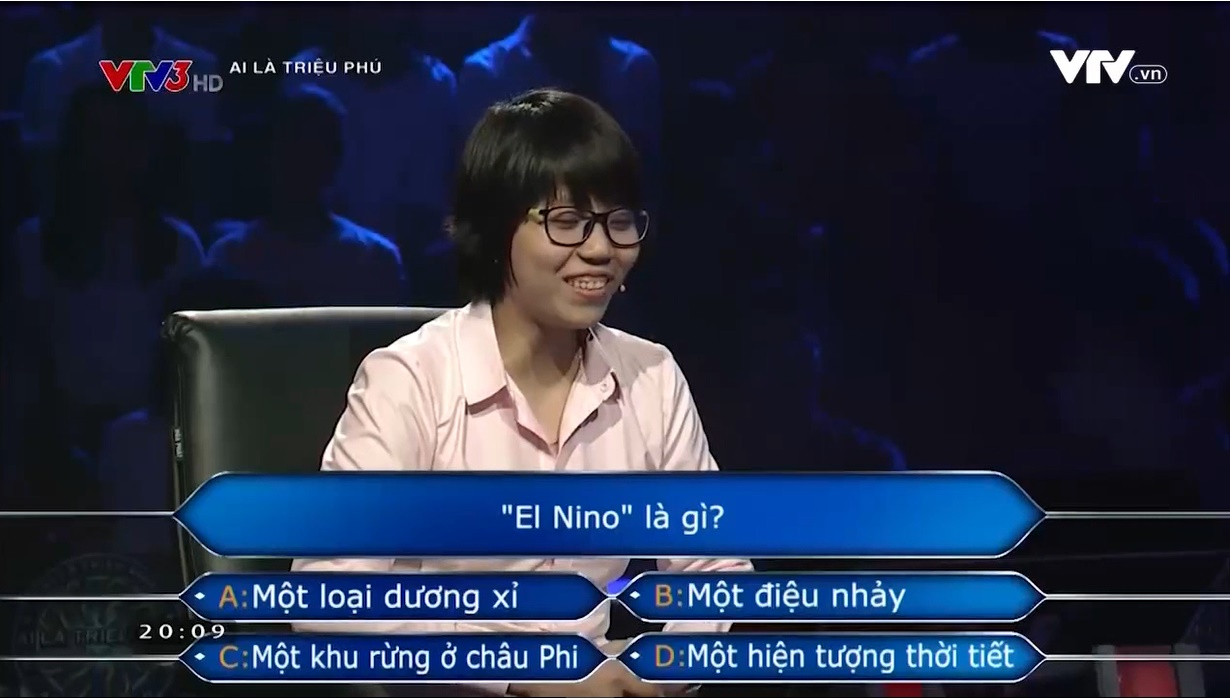 Cười không nhặt được mồm: Người chơi Ai là triệu phú dùng đến hai quyền trợ giúp ngay 2 câu hỏi đầu tiên - Ảnh 3.