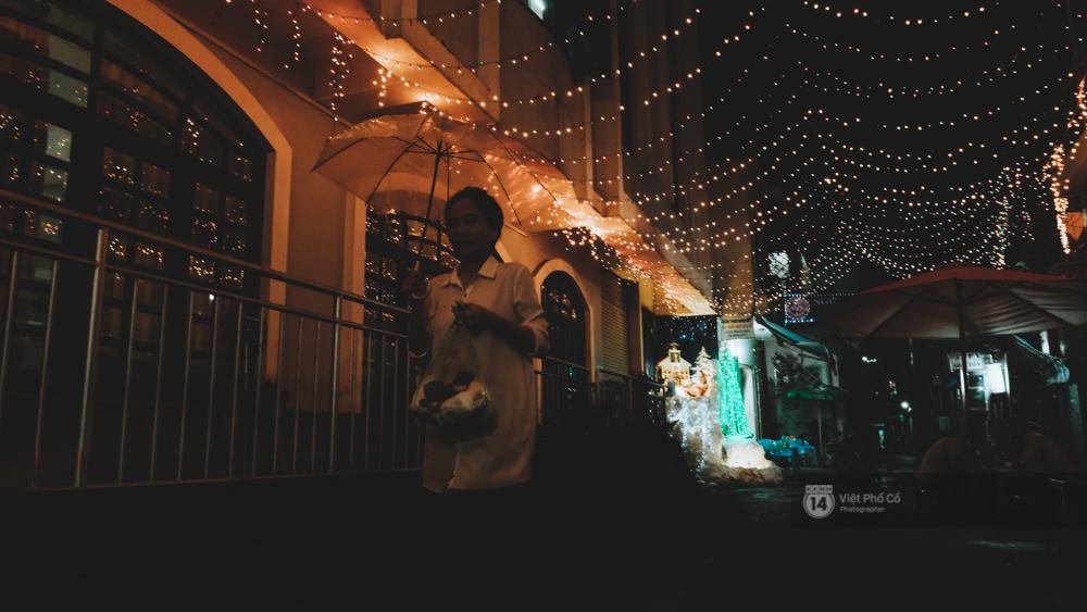 Người Sài Gòn đã tự tay trang trí Giáng sinh cho con hẻm của mình theo cách lãng mạn như thế - Ảnh 6.