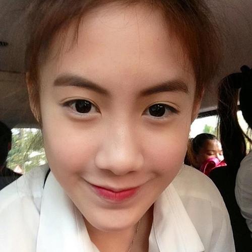 Vừa giàu, vừa xinh, vừa giỏi: Đây chính là hot girl số 1 của Lào, và cô ấy là người gốc Việt! - Ảnh 3.