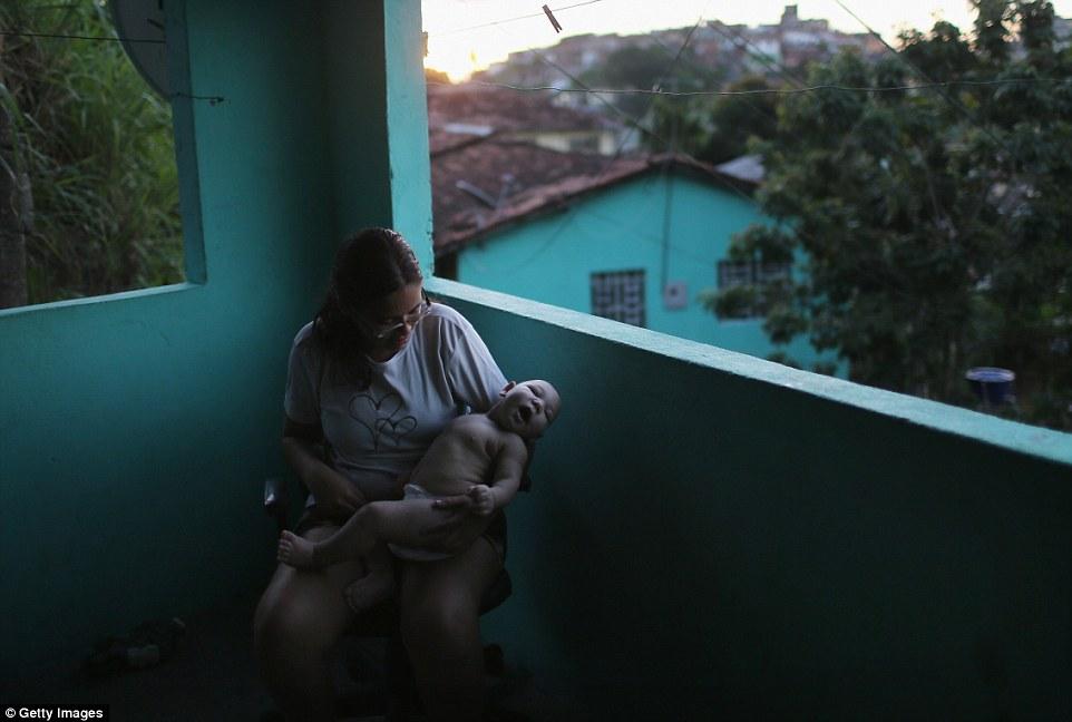 Chùm ảnh: Dịch bệnh Zika đầu nhỏ - nỗi khiếp sợ của toàn thế giới - Ảnh 23.