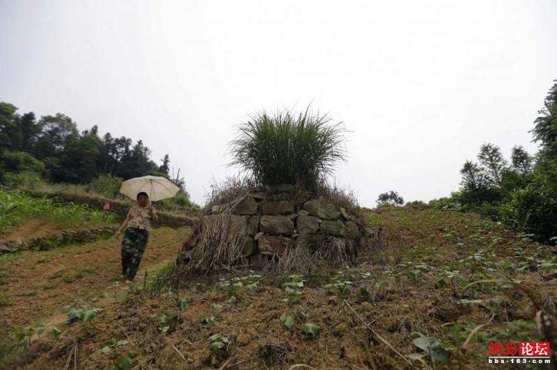 Khung cảnh hoang tàn ở ngôi làng ung thư nổi tiếng Trung Quốc khiến nhiều người không khỏi rùng mình - Ảnh 17.