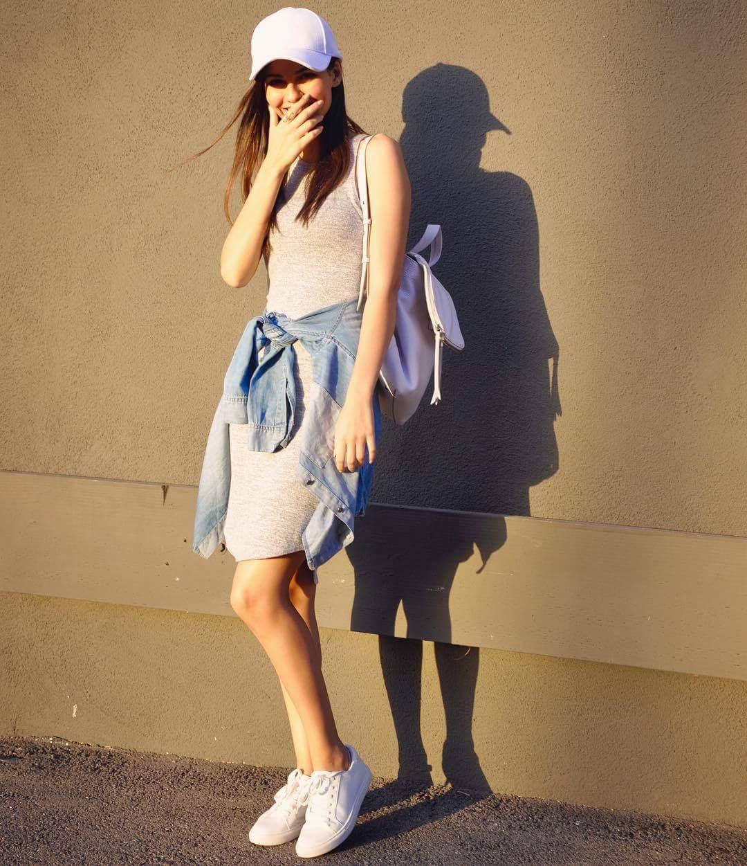 Chẳng phải Stan Smith hay Superstar, đây mới là mẫu sneaker trắng được Kendall, Gigi, Miranda mê nhất - Ảnh 21.