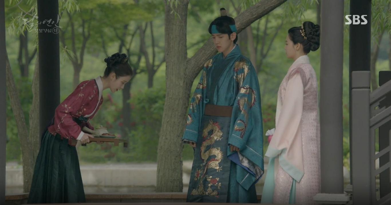 Moon Lovers: Anh Tư Lee Jun Ki xấu số, uống phải trà hạ độc từ chính mẹ mình - Ảnh 33.