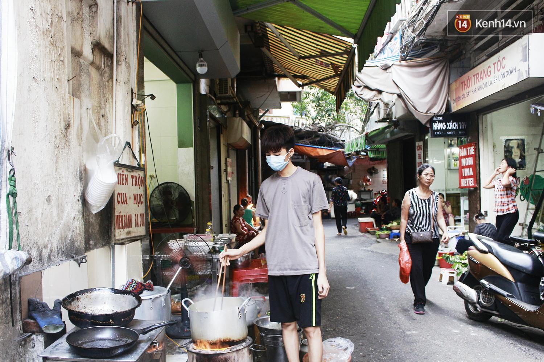 Quán miến trộn mực vừa ngon vừa thân thiện, hút khách Hà Nội 10 năm qua - Ảnh 10.