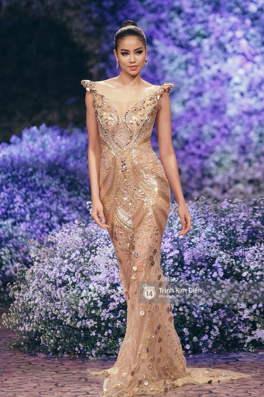 Kỳ Duyên, Phạm Hương đọ trình catwalk trong show thời trang cùng loạt mẫu đình đám - Ảnh 5.