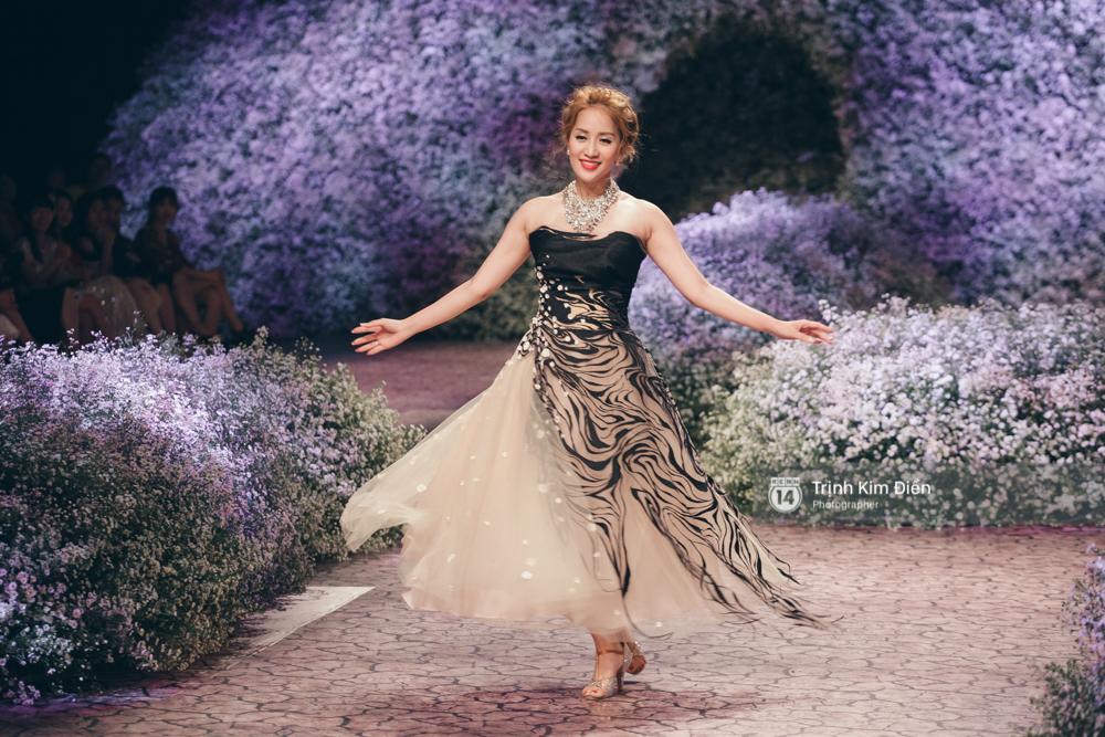 Kỳ Duyên, Phạm Hương đọ trình catwalk trong show thời trang cùng loạt mẫu đình đám - Ảnh 13.