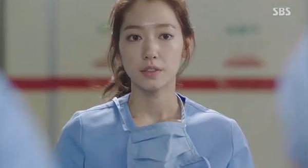 """""""Doctors"""": Xem kìa, Park Shin Hye cuối cùng đã biết ghen! - Ảnh 8."""
