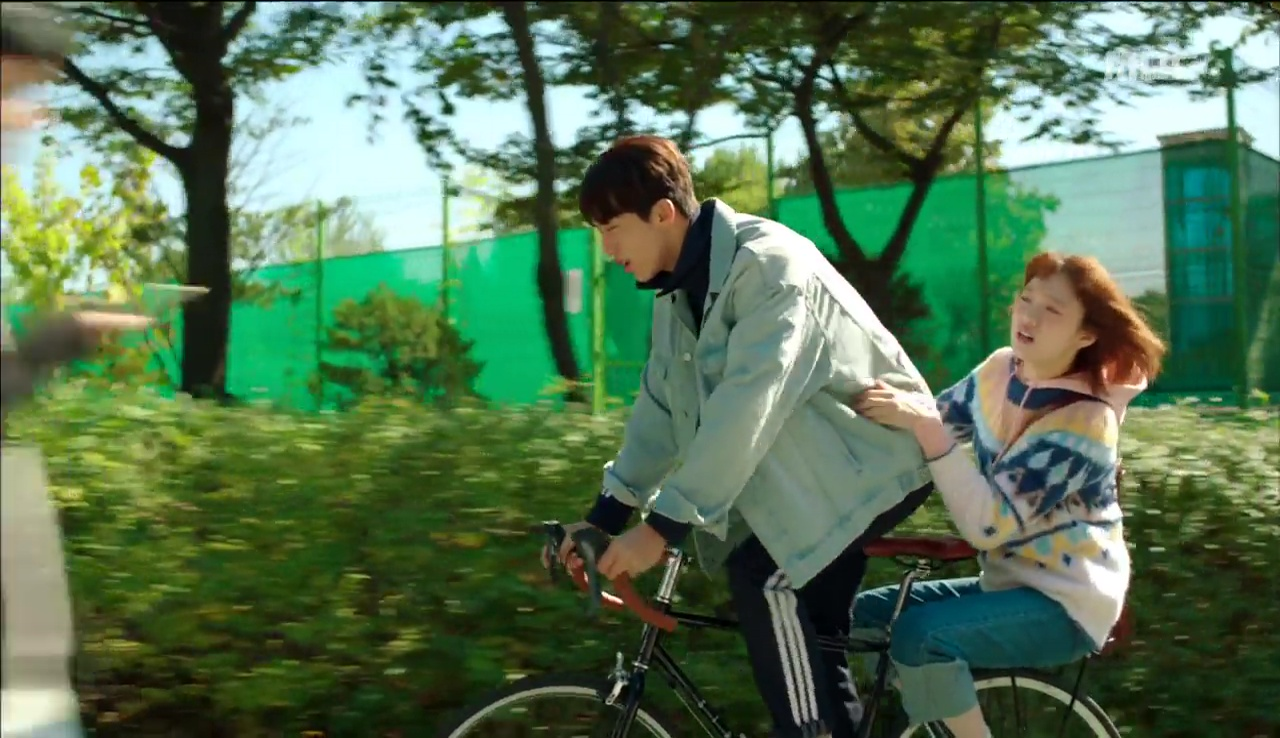 Tiên Nữ Cử Tạ: Cứ skin-ship thế này, Nam Joo Hyuk sẽ sớm phát ghen vì Sung Kyung! - Ảnh 28.