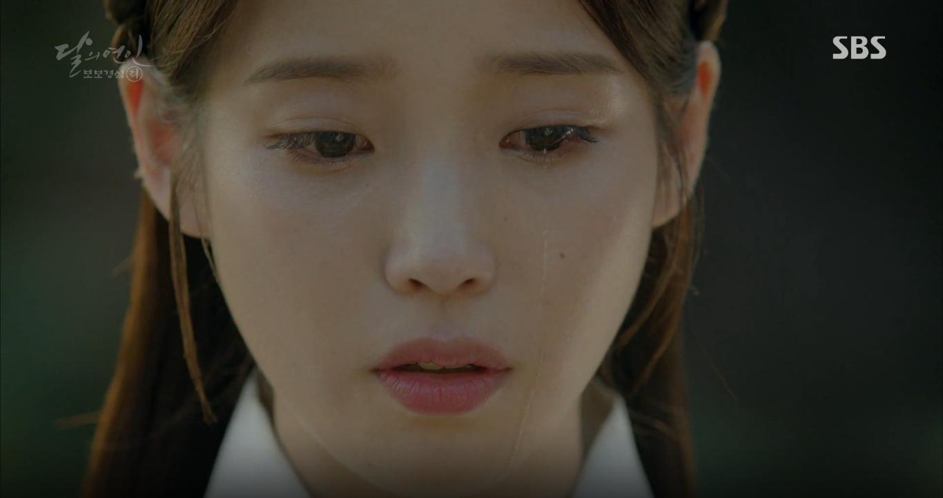 """Moon Lovers: Khán giả """"rưng rưng"""" với kết cục tình yêu đau lòng của chị họ IU - Ảnh 18."""