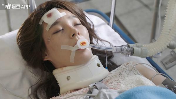 """""""Doctors"""": Không nhịn được cười với chuỗi bi kịch của Yoon Kyun Sang - Ảnh 31."""