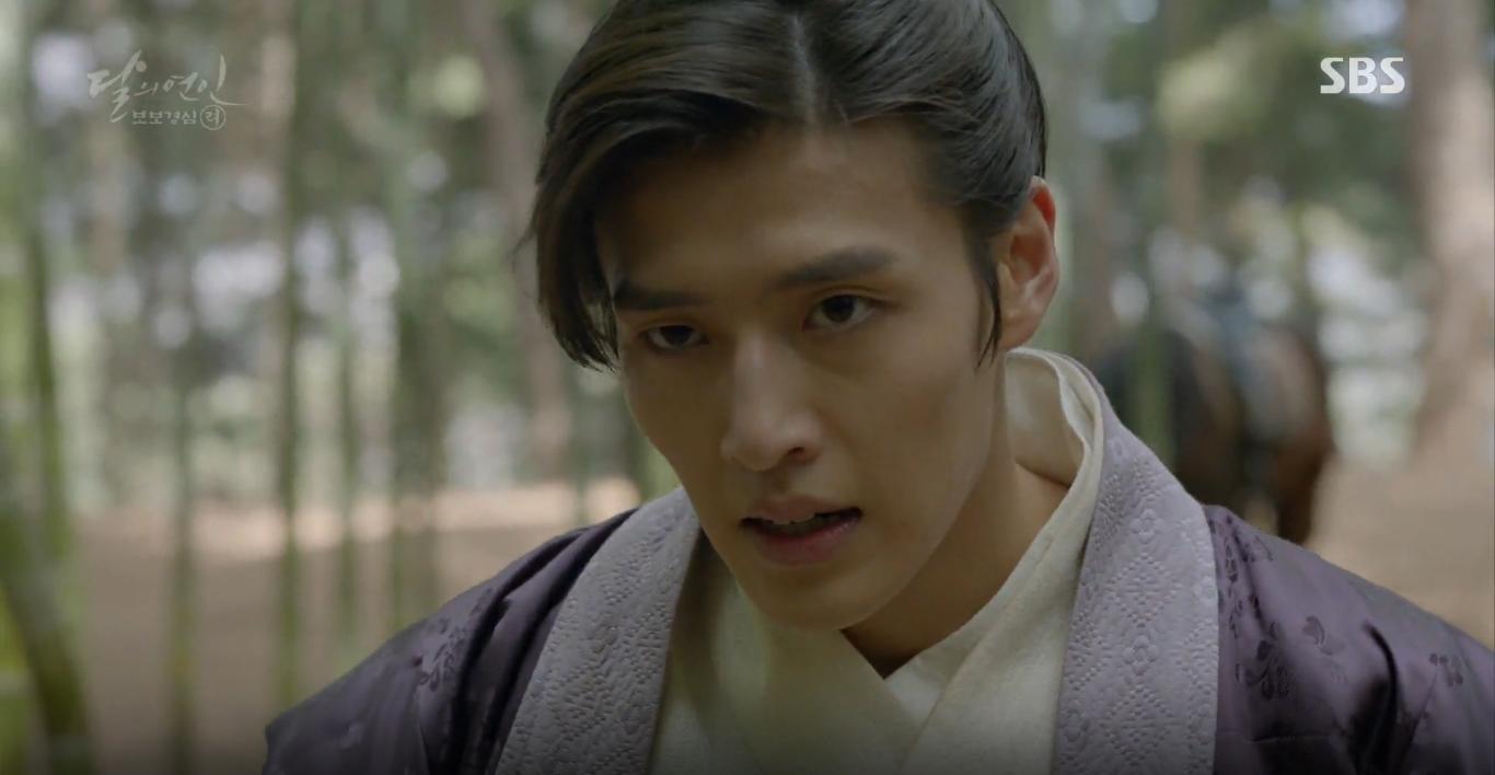 Moon Lovers: Tứ hoàng tử Lee Jun Ki thêm một lần xuất hiện kịp thời giải cứu IU - Ảnh 18.