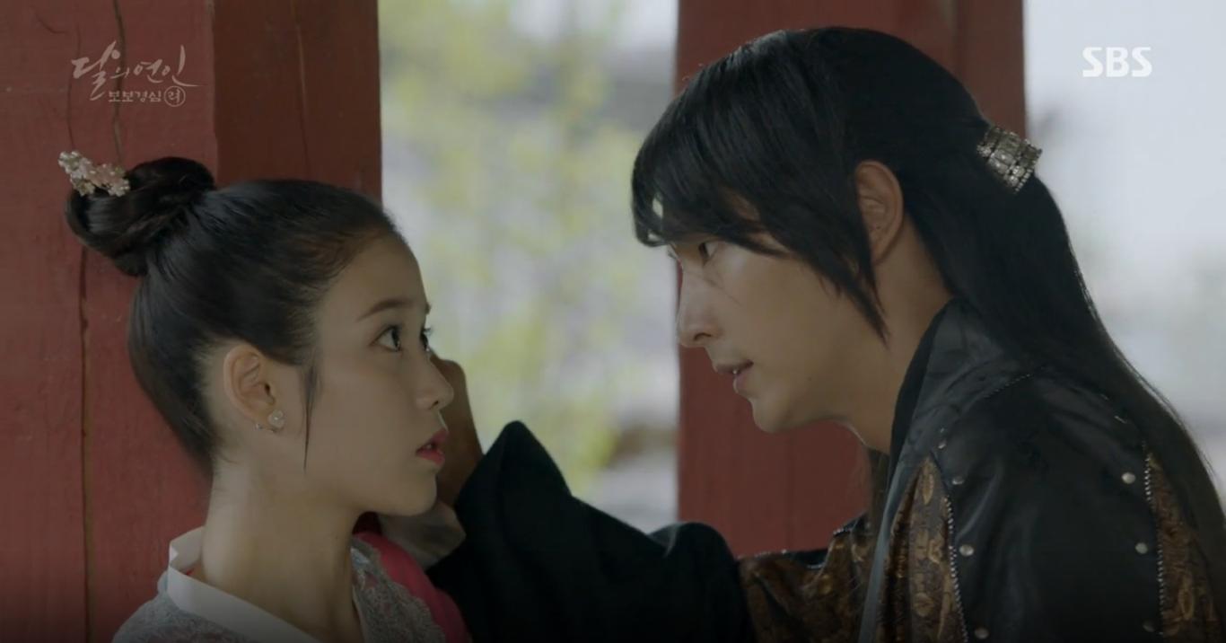 Moon Lovers: Tứ hoàng tử Lee Jun Ki chính thức hạ chiếc mặt nạ trước mặt IU - Ảnh 35.