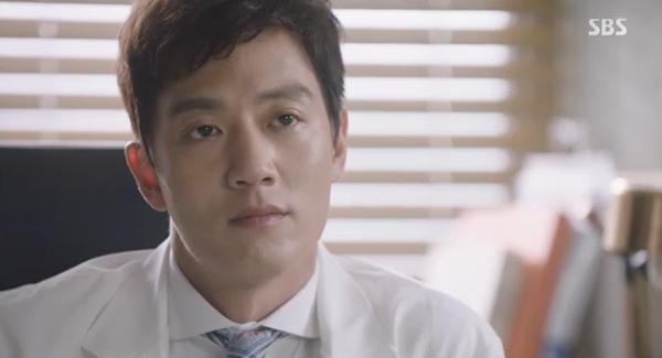 """""""Doctors"""": Xem kìa, Park Shin Hye cuối cùng đã biết ghen! - Ảnh 12."""