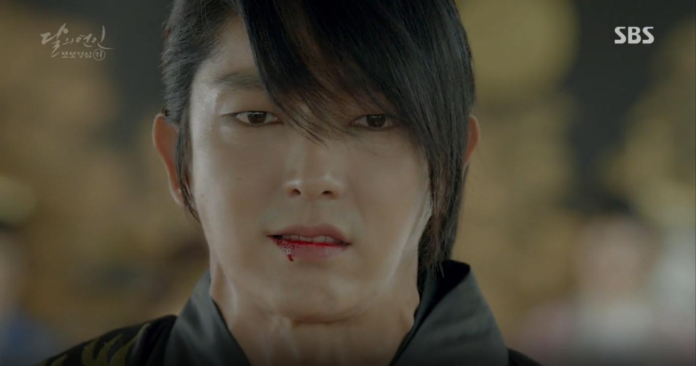 Moon Lovers: Anh Tư Lee Jun Ki xấu số, uống phải trà hạ độc từ chính mẹ mình - Ảnh 30.