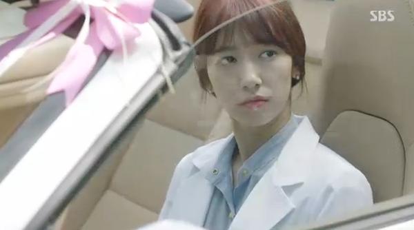"""""""Doctors"""": Yoon Kyun Sang bày tỏ tình cảm của mình với tình địch Kim Rae Won - Ảnh 21."""