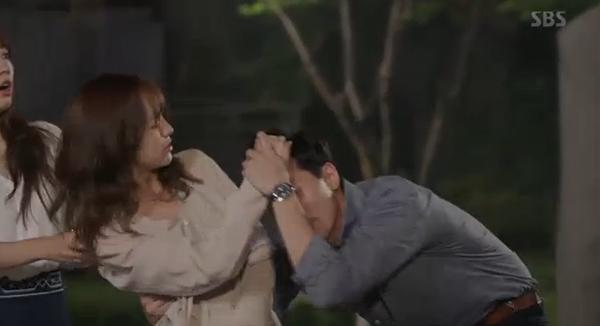 Fan Doctors náo loạn khi Kim Rae Won và Park Shin Hye có nụ hôn đúng tuổi - Ảnh 21.