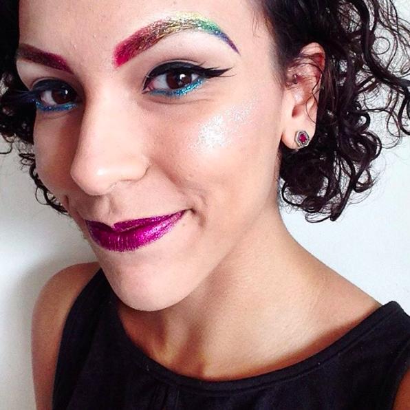 Làm xoăn tóc với bim bim, trang trí móng với bọ cạp chết cùng loạt xu hướng làm đẹp dị nhất năm 2016 - Ảnh 8.